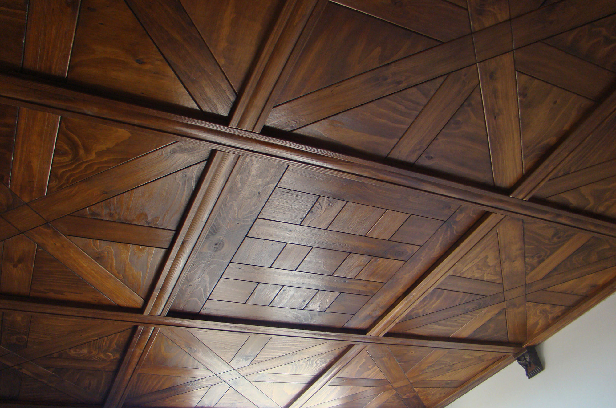 Almac n de maderas en navalmoral de la mata fecan - Revestimiento de techos ...