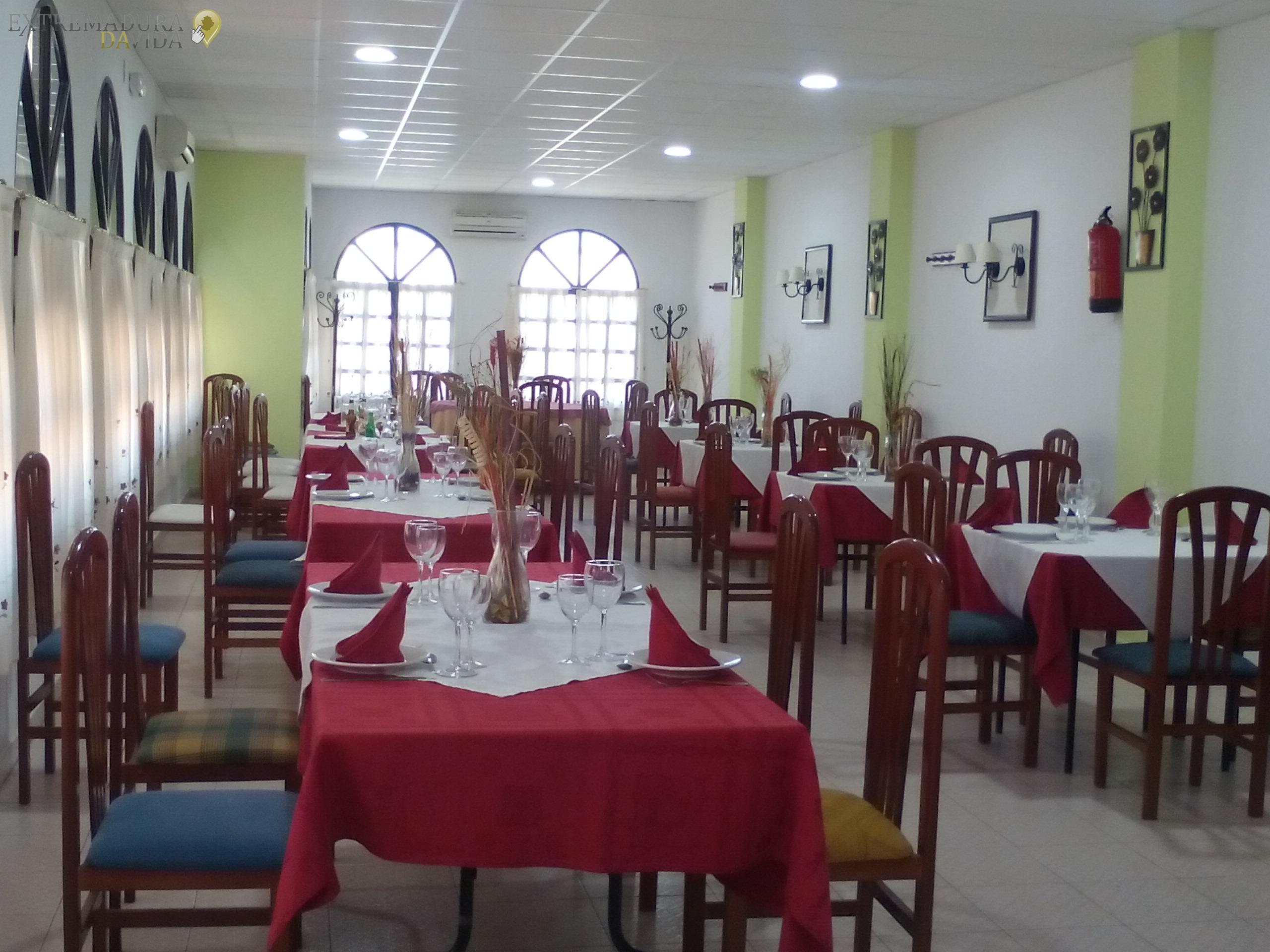 RESTAURANTE CAFETERIA EN VILLAFRANCA DE LOS BARROS LOS ARCOS