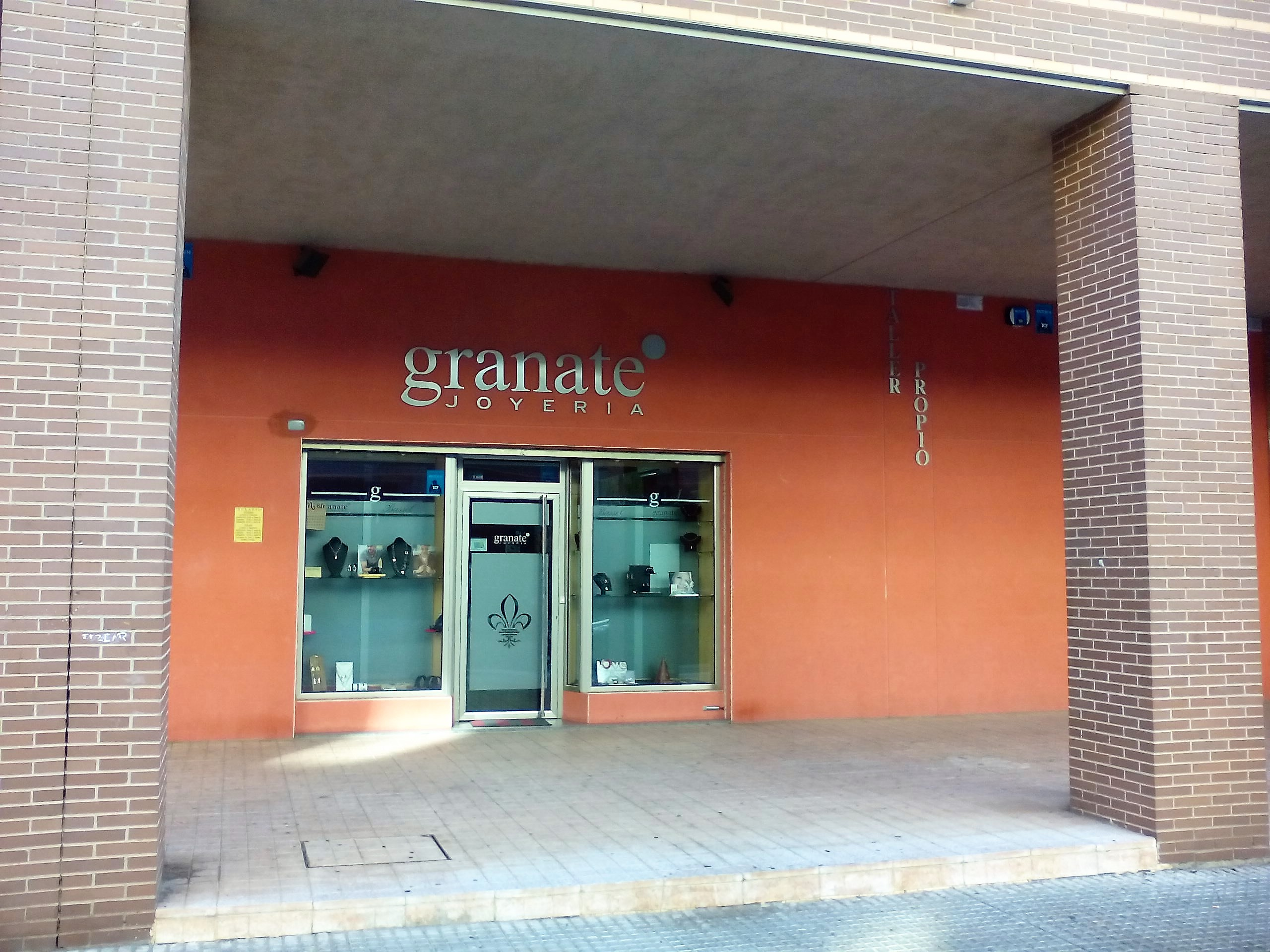 joyeria relojes Cáceres Granate