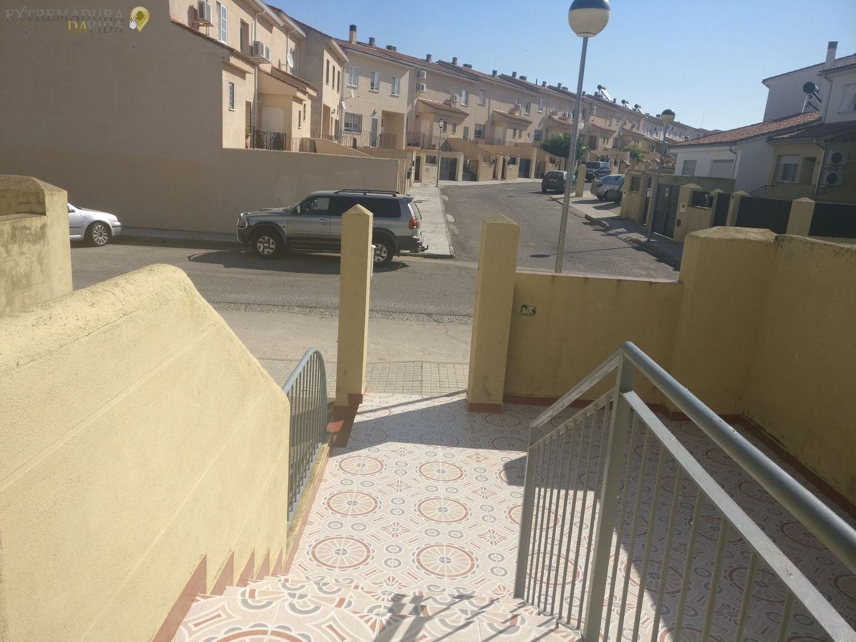 se vende casa barata en Trujillo adosado