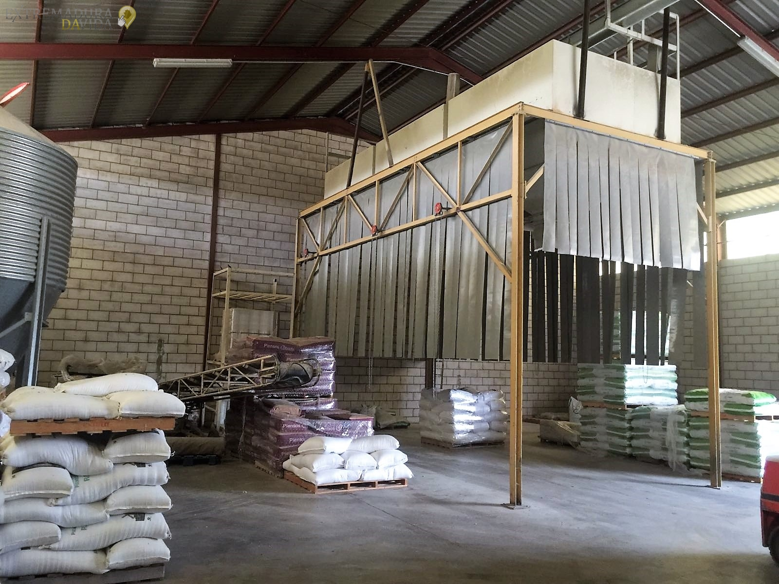 FabrIca de piensos y cereales en Monroy Rass