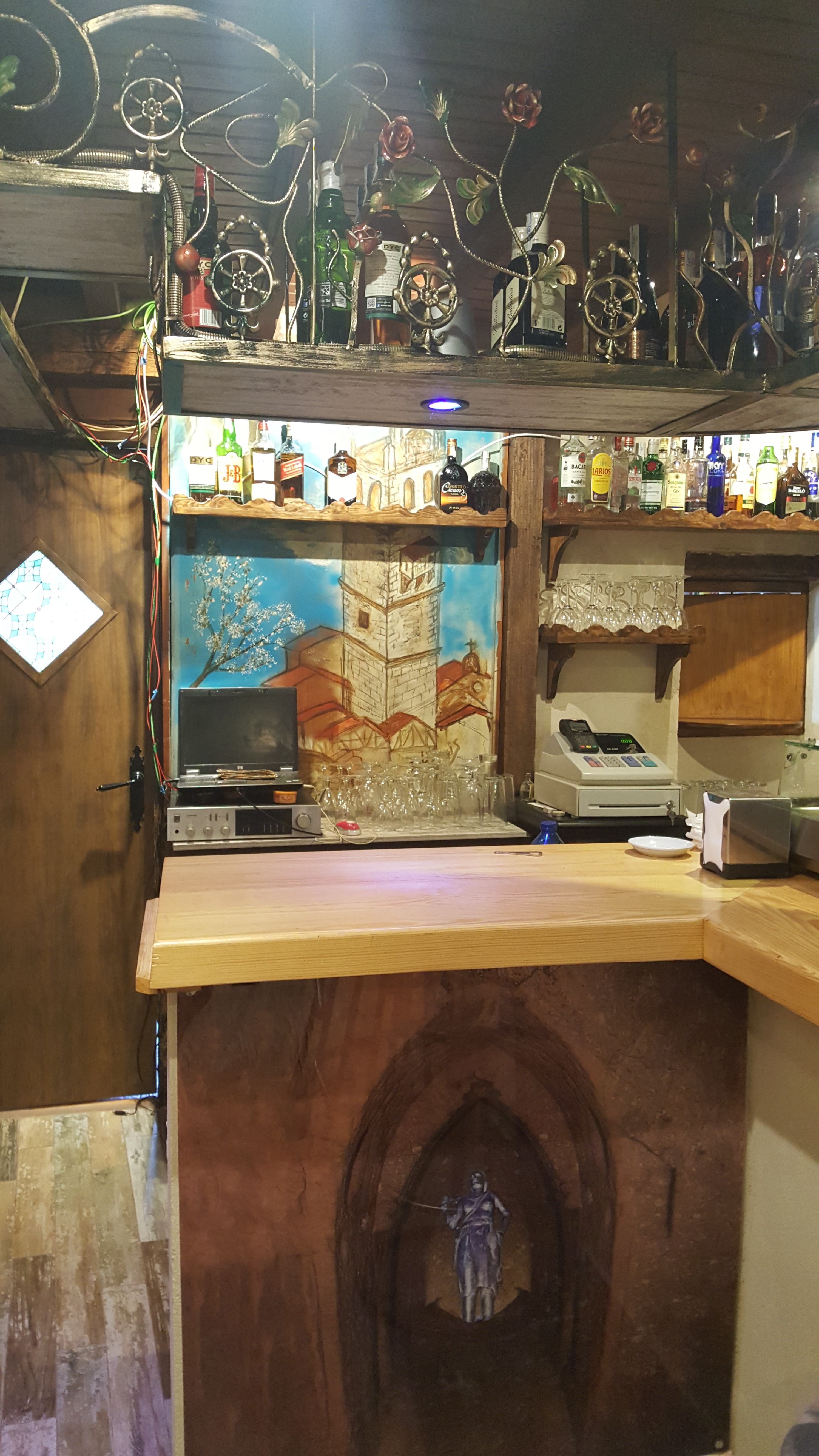 Bar Tapería En Garganta La Olla – La Cueva