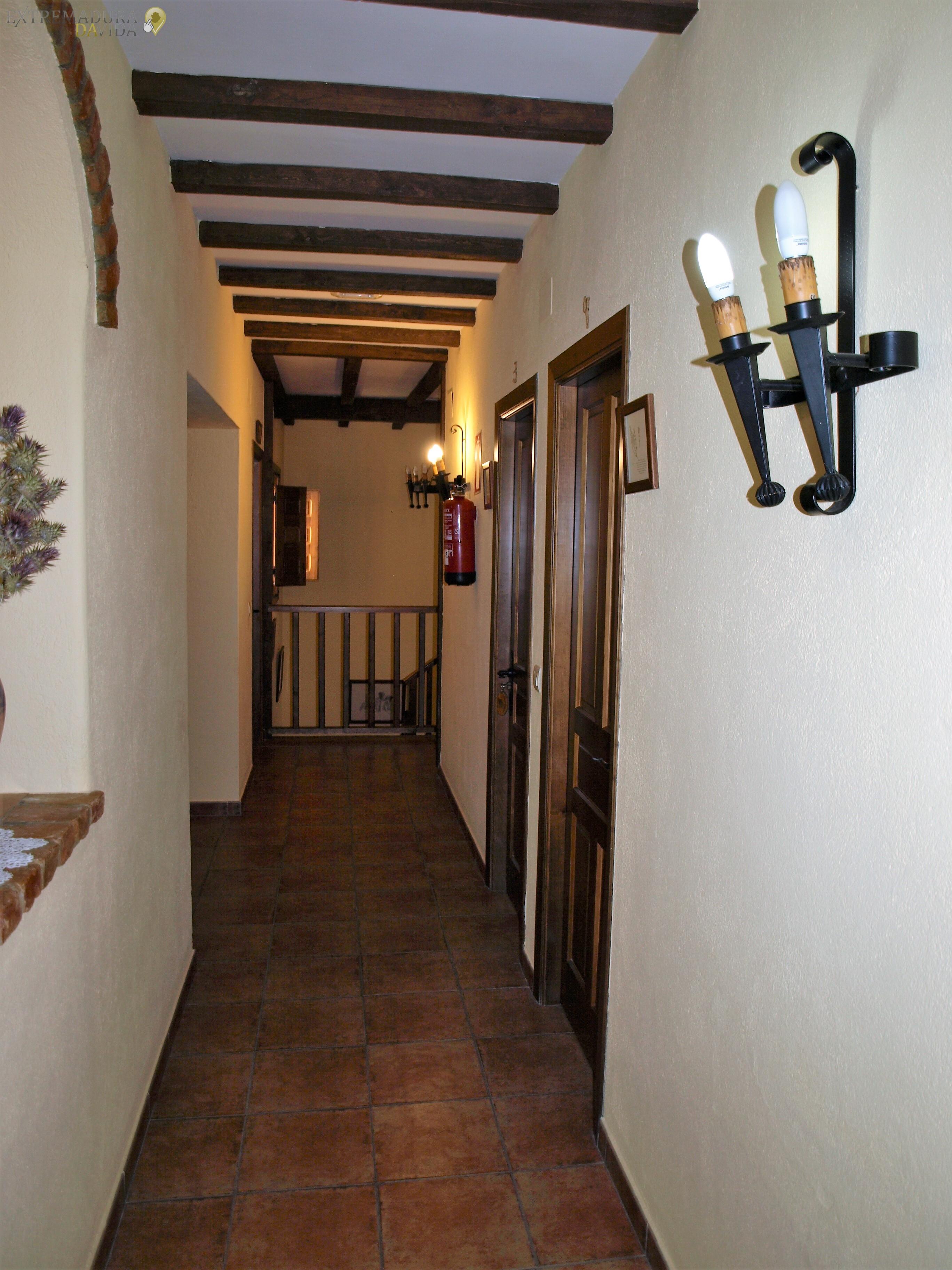 Casa Rural y Restaurante en Monroy La Bodega del Herrador