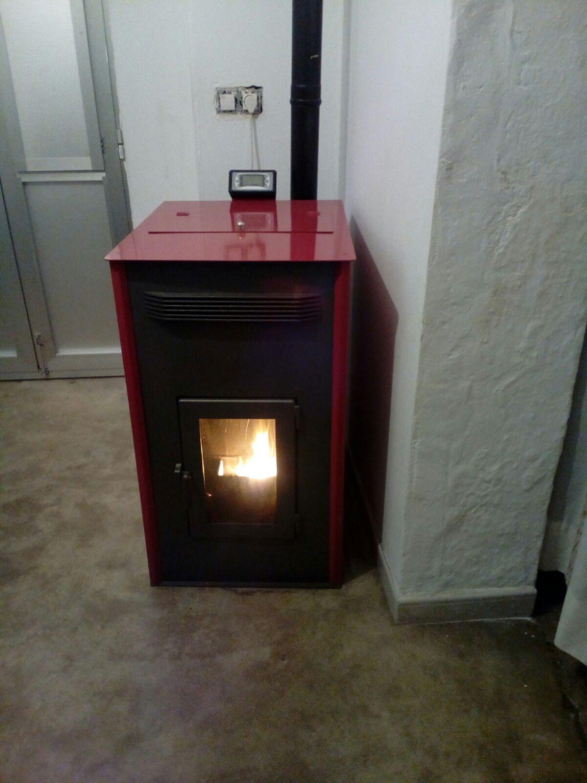 Fabrica distribución de chimeneas calderas Extremadura Sertec