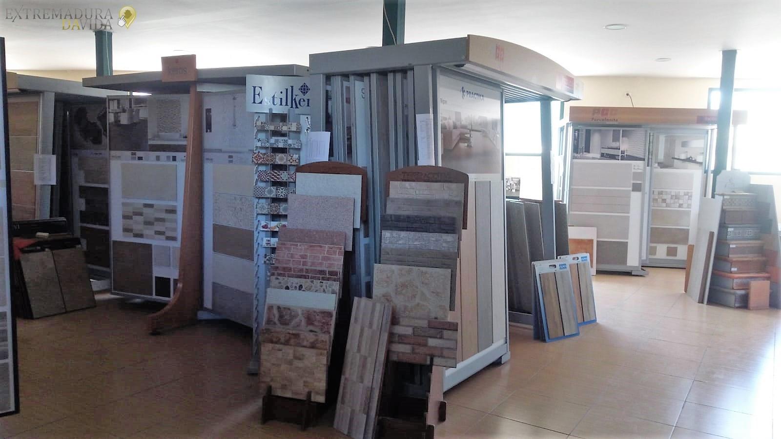 Almacén de construcción en la Vera Macrodilla jarandilla de la Vera