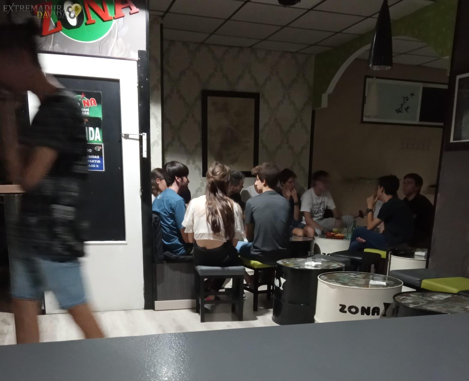 Bar de billares y futbolines en Cáceres Zona