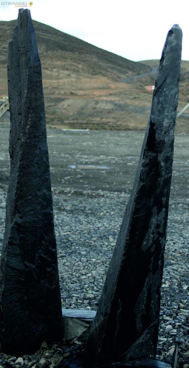 Menhires monolitos llamas pizarra
