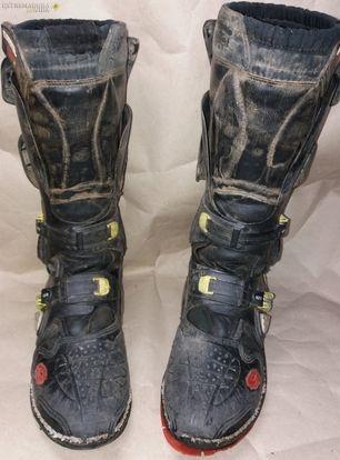 Pegado de suelas de zapatos en Almendralejo Reparación Victor sanabria