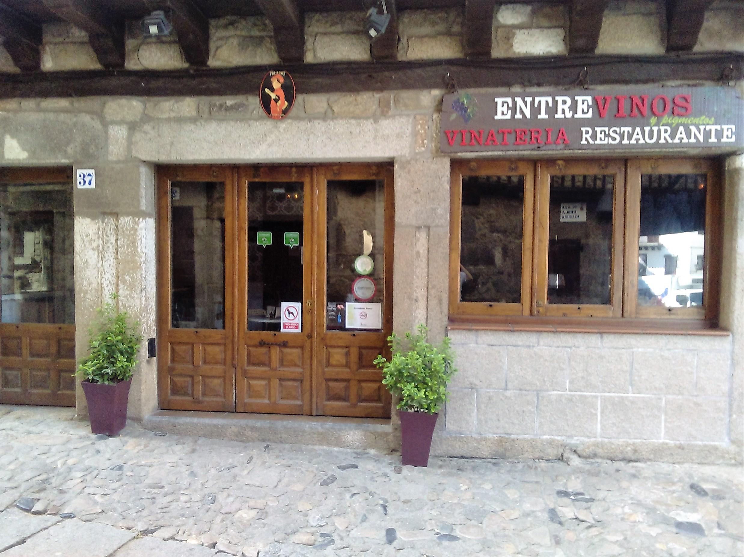 RESTAURANTE ENTREVINOS Y PIGMENTOS EN LA ALBERCA