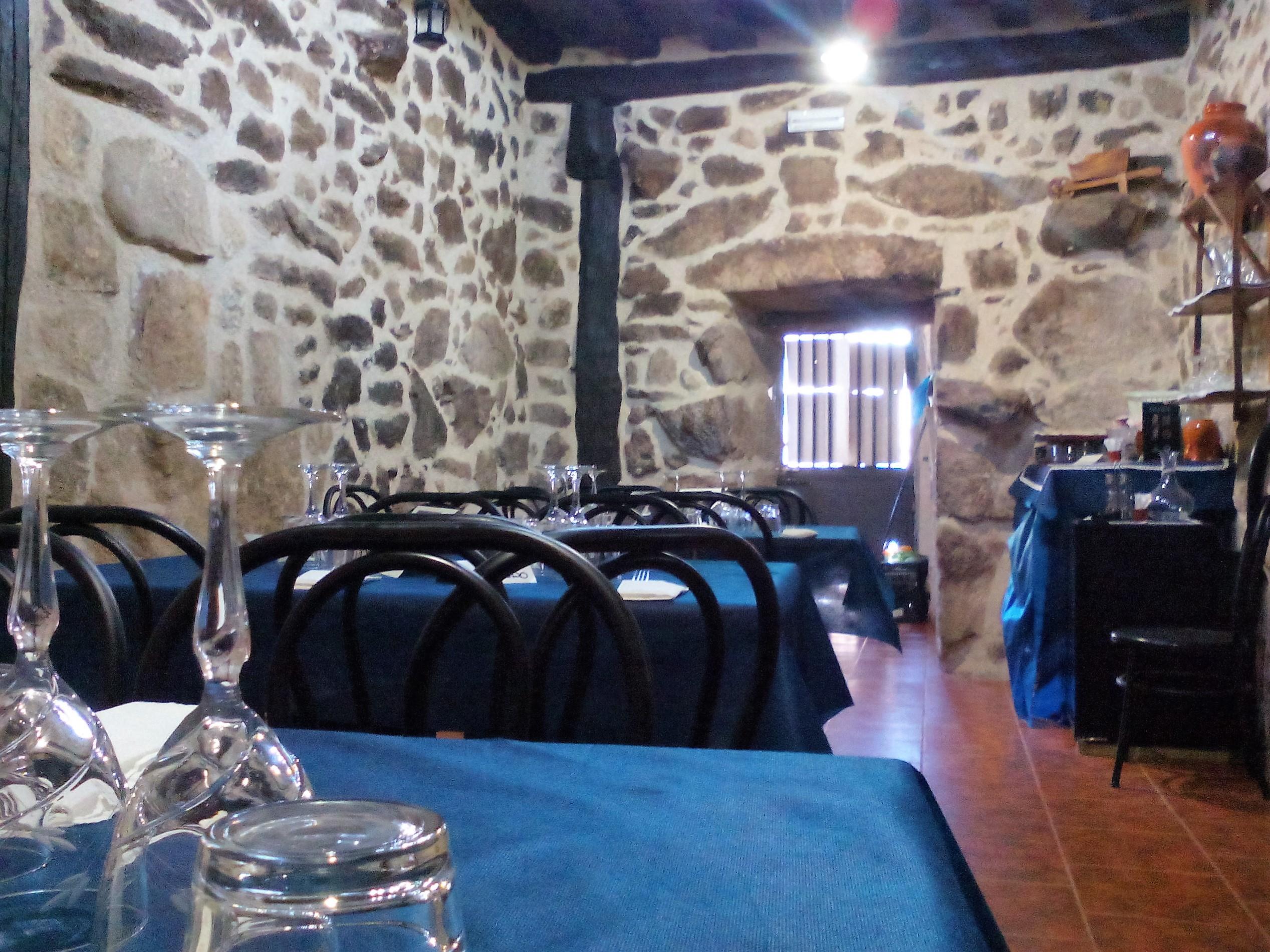 Taberna en Garganta la Olla Las Gemelas