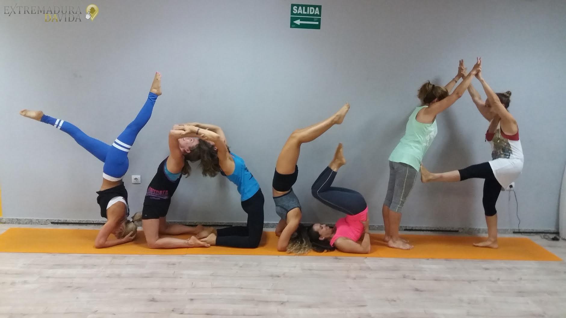 Yoga en Cáceres orbita Profesores de yoga Órbita