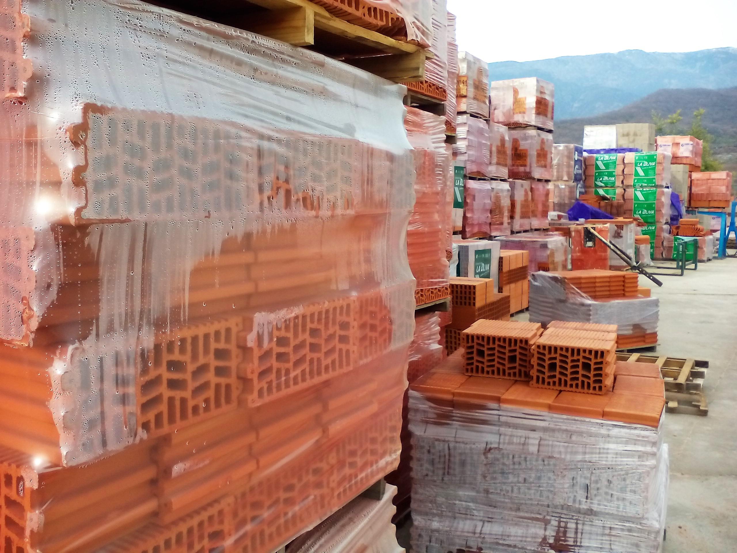 almacen materiales construcción jarandilla de la vera Macrodilla