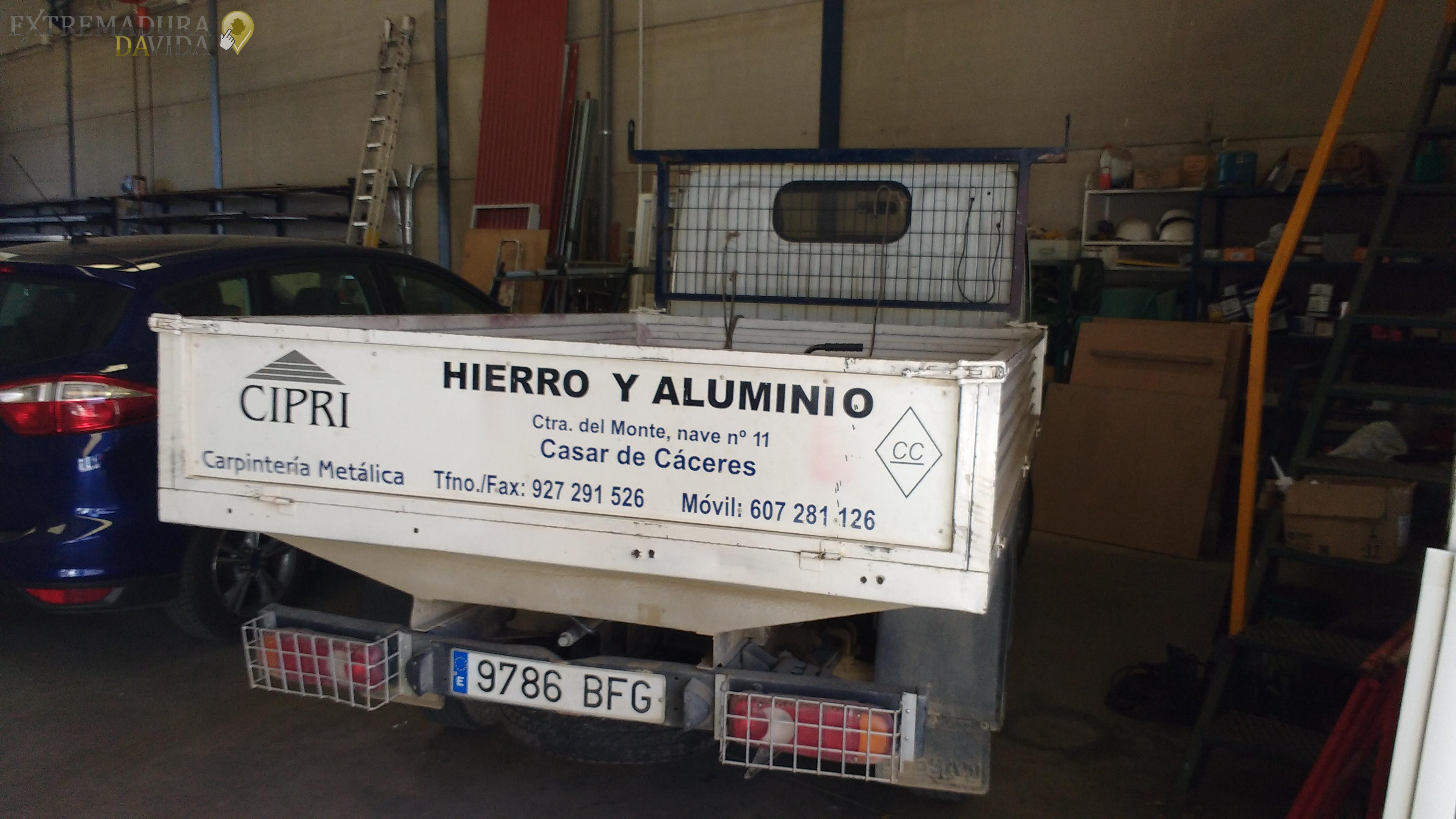 HIERROS ALUMINIOS CASAR DE CACERES CIPRI (6)