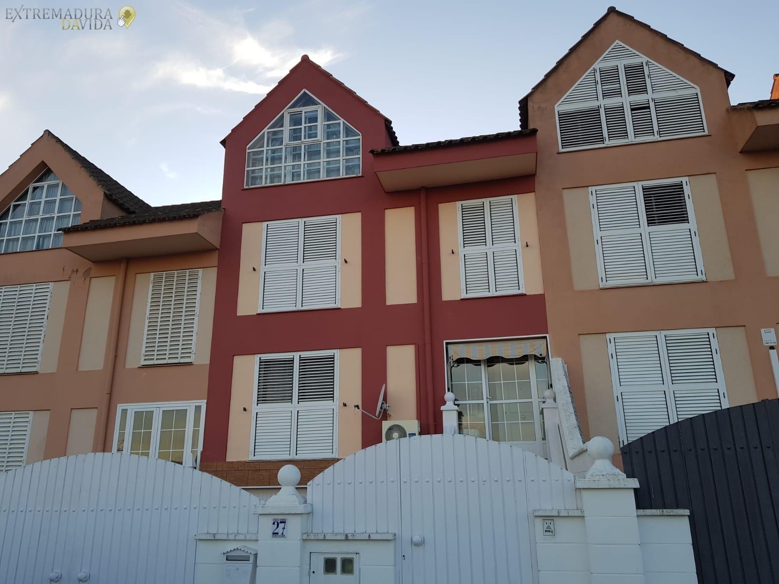 Pintores de fachadas en Cáceres Iglesias