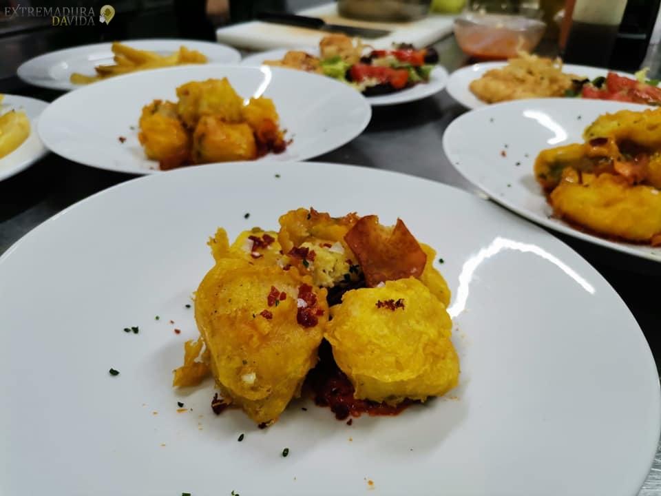 Restaurante Terraza Salones para eventos en Almoharin El Descanso raciones v