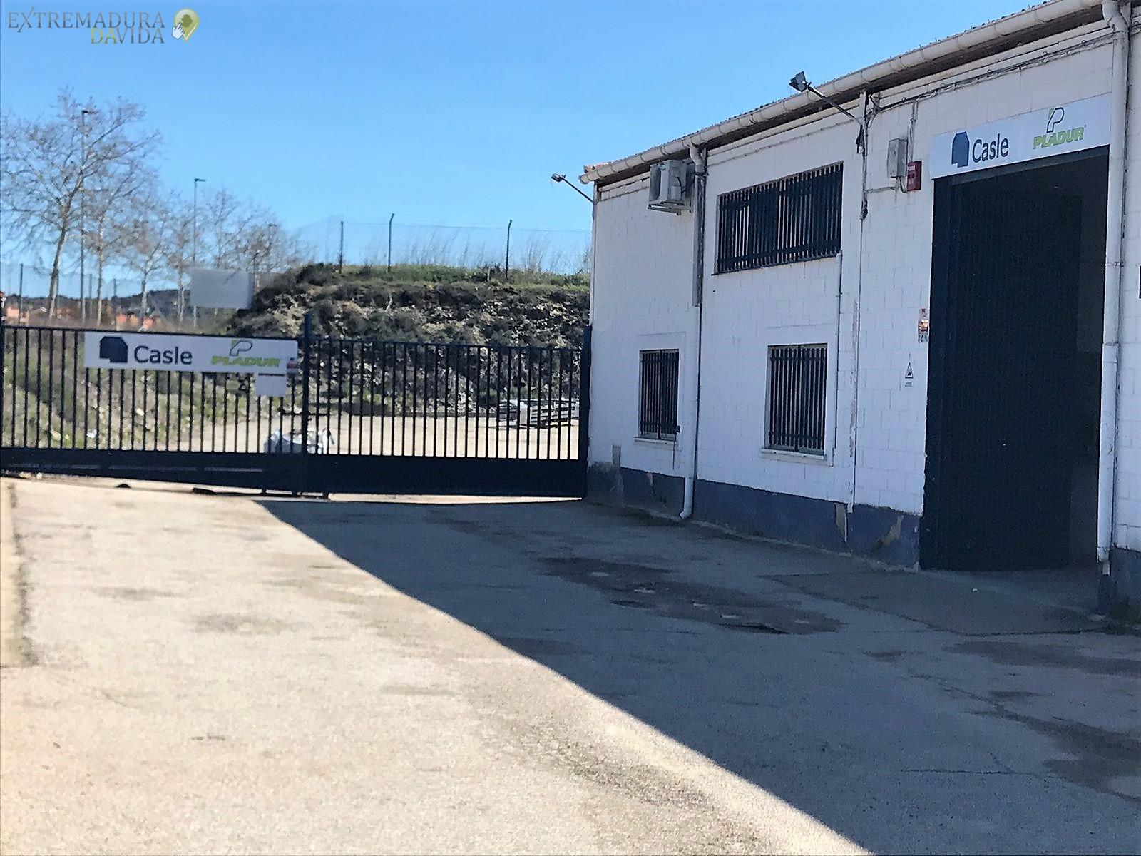 ALMACEN DISTRIBUCION AISLAMIENTOS PLADUR EXTREMADURA CASLE