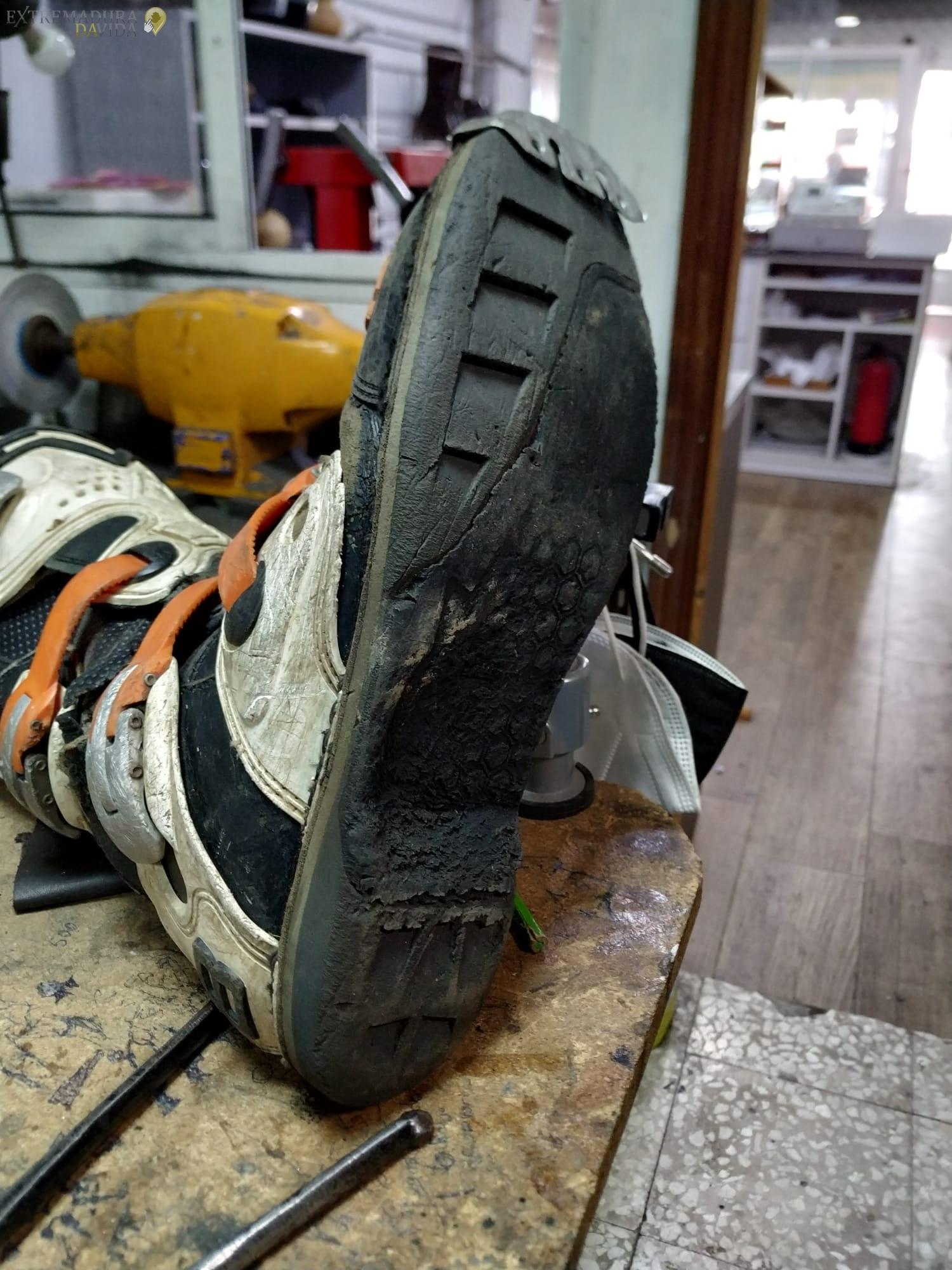 Arreglar suelas de moteros en Cáceres SUELA FIGHTER