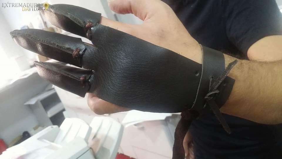 Artesano del cuero en Cáceres Zapatorapid
