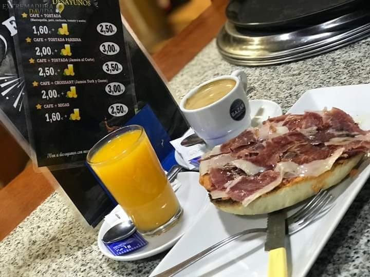 Hamburguesería Raciones en Cáceres New Golden Antonio Hurtado