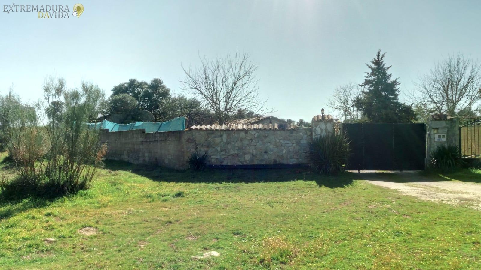 Venta de Finca urbana en Cáceres Barata